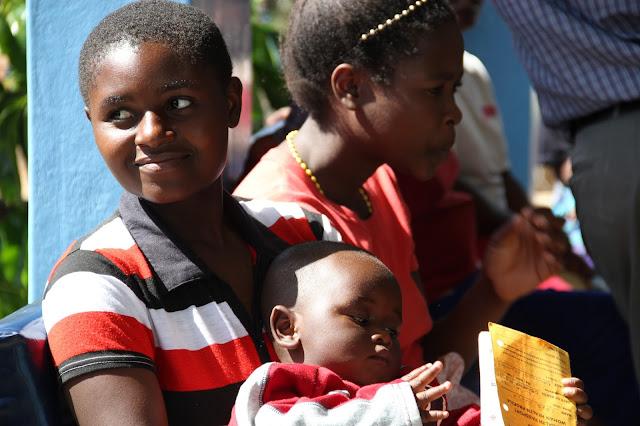 La legge in Malawi restituisce la dignità all'infanzia, prima la scuola e poi il matrimonio