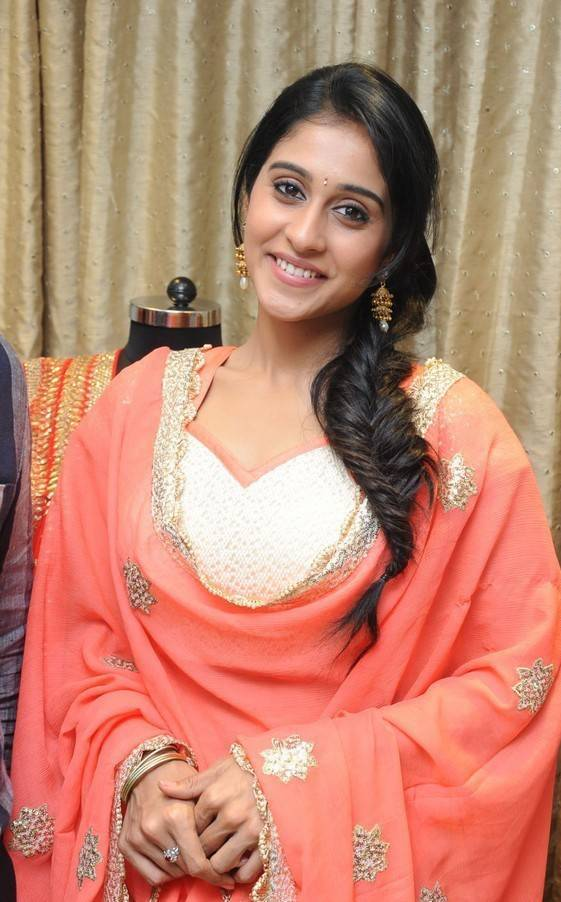 Glamours Tamil Girl Regina Cassandra Photos In Orange Churidar