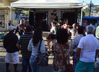 Público assiste ao show de Félix do Forró e Banda na 'Semana da Música'