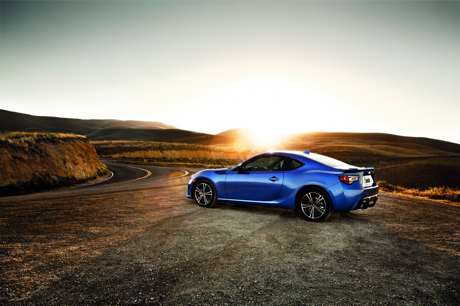 2016 subaru brz gains new tech features drops 300 in price carscoops. Black Bedroom Furniture Sets. Home Design Ideas