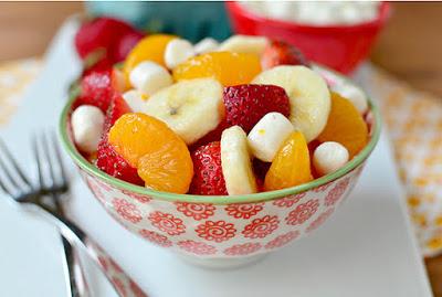 حبة واحدة من هذه الفاكهة تخلصك من حموضة المعدة والحزاز الذي يؤرق الإنسان