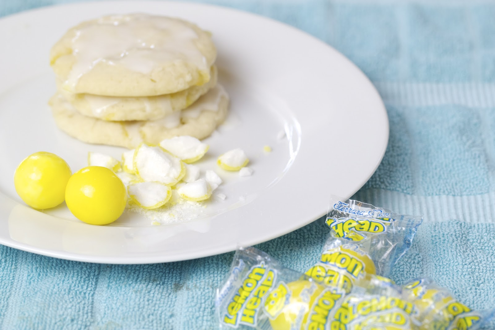 Thyme In Our Kitchen: Addicting Lemon Cookies with Lemon