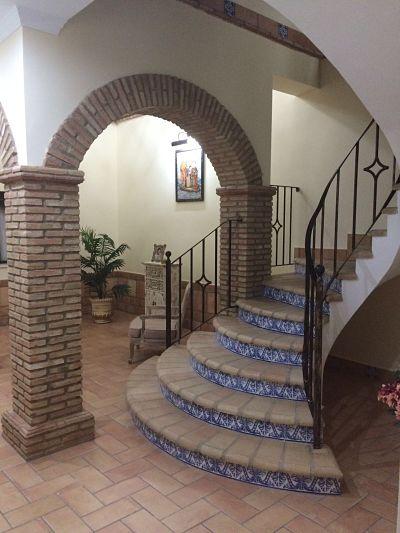 escalera de cerámica artesanal