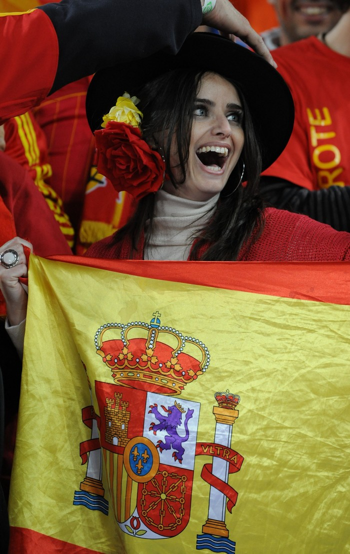 suporter cantik spanyol   spain hot amp sexy football fans