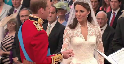 Prince William Kate Middleton Royal Wedding Gown / Dress Pictures