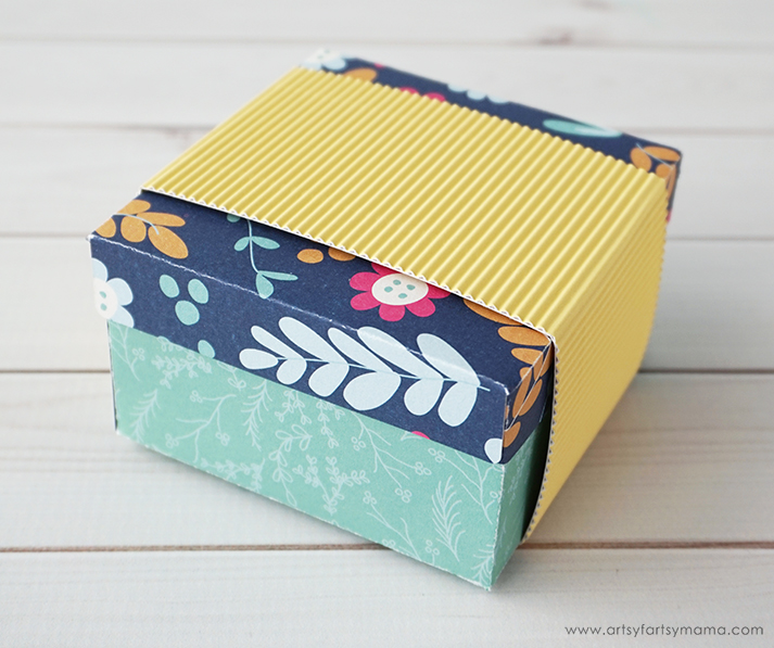 DIY Flower-Topped Gift Box
