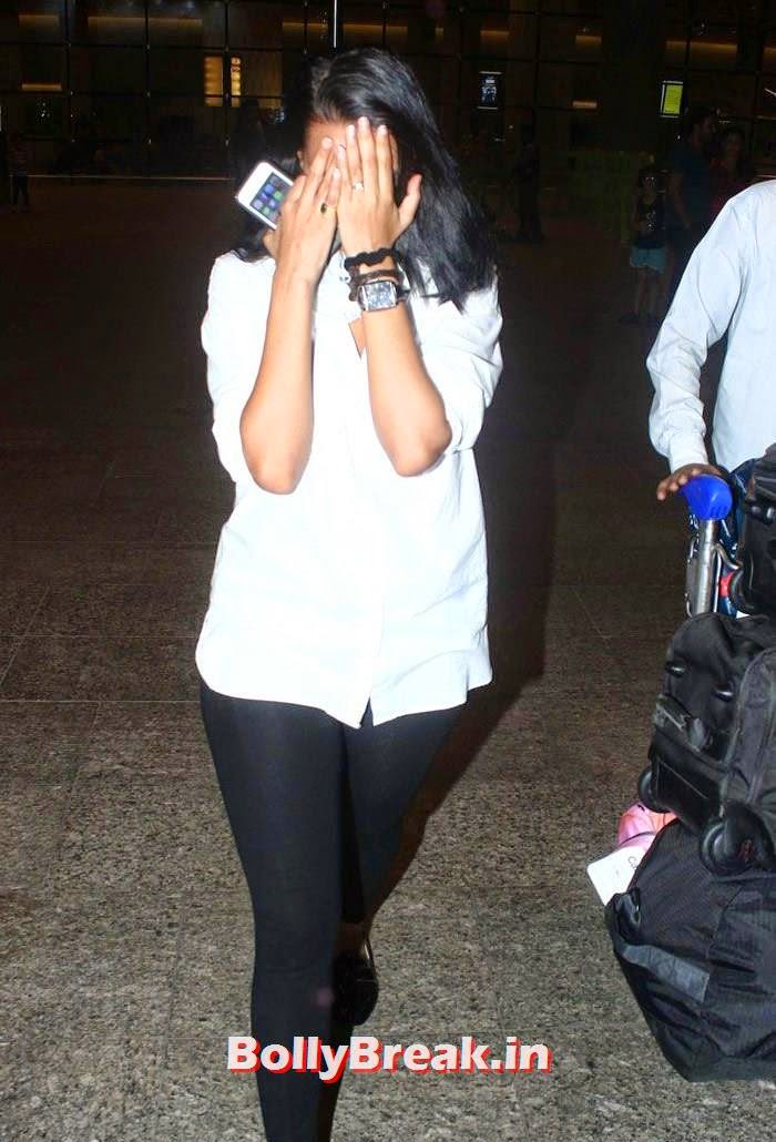 Indian Actress Neha Dhupia Hiding her face from Photographers, Neha Dhupia Without Makeup - Indian Actress Paparazzi Photos