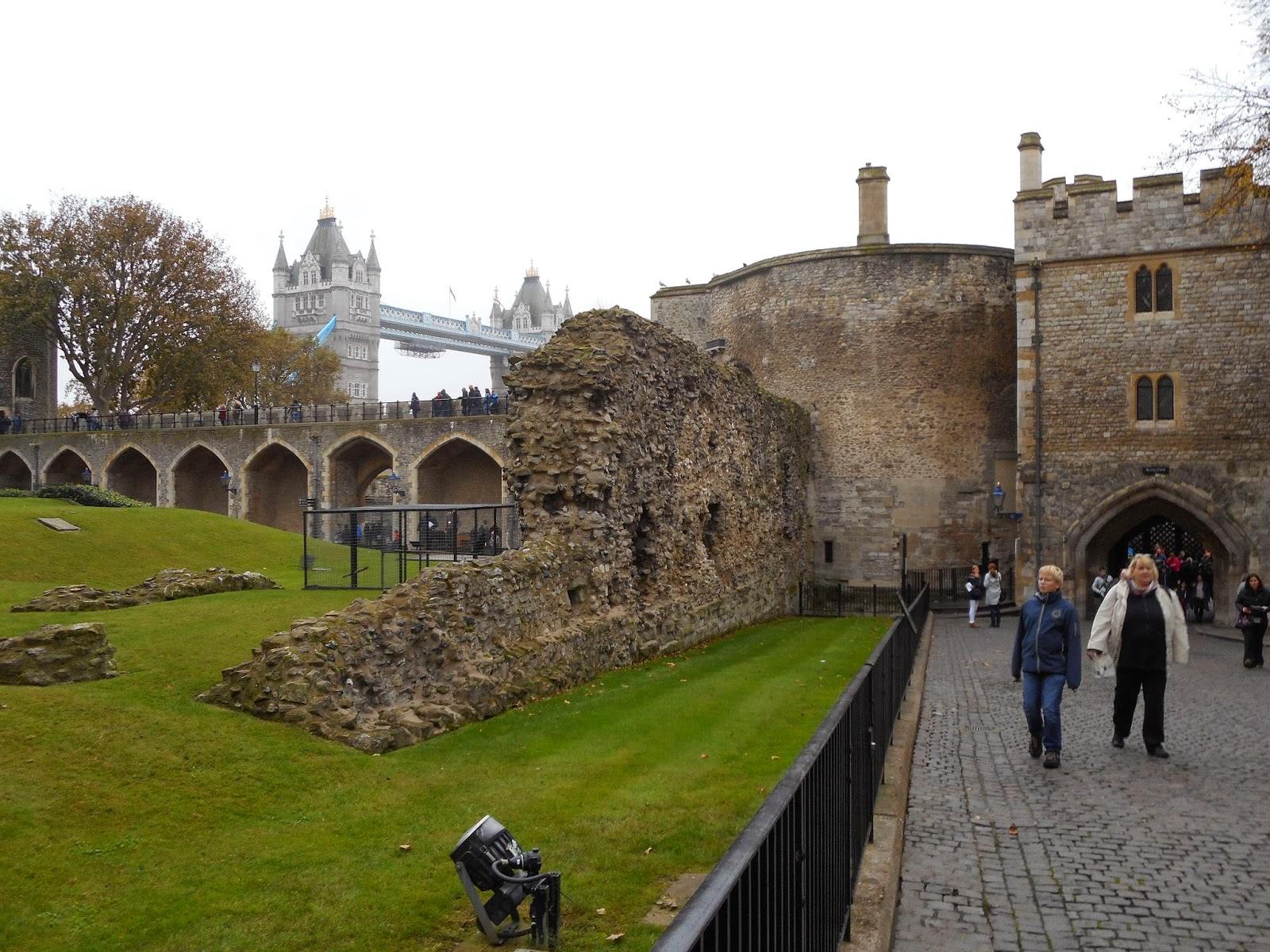 London buses one bus at a time: the return: Tower of London – Part 1A
