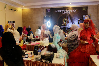 suasana-kelas-workshop-intensive-make-up-pangking-blowme-hotel-surya-pare