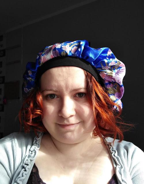 Satynowy czepek do włosów z aliexpress - idealna ochrona skrętu nocą ;)