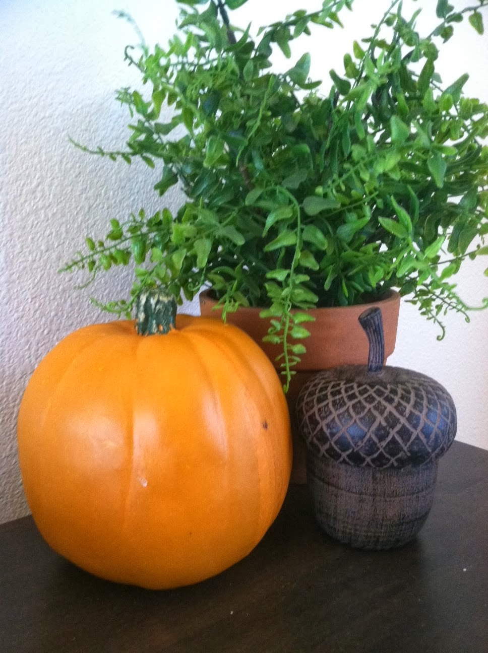 Rebecca S Round Up Welcome Fall A Touch Of Autumn Decor