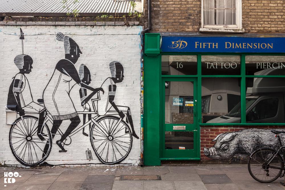 São Paulo street artist Alex Senna paints London Mural. Photo©Hookedblog / Mark Rigney