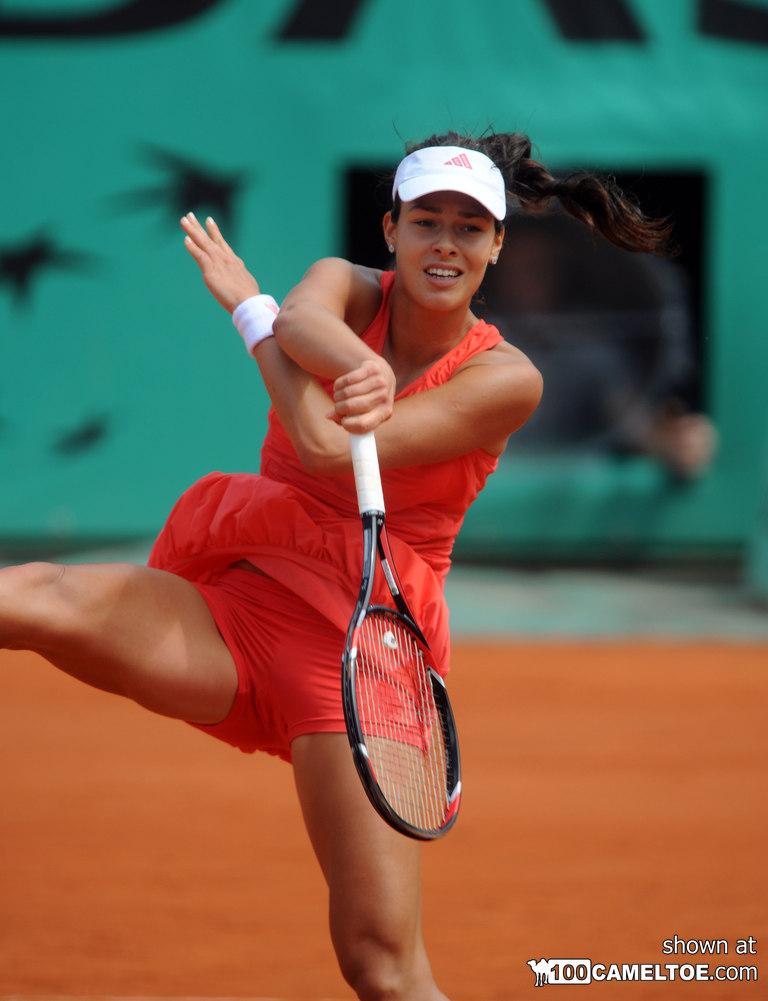 Tennis player cameltoe