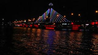 Cầu quay sông Hàn về đêm