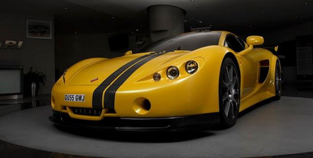 Ascari A10 (354 kmph or 220 mph)