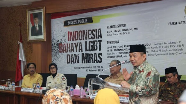 PKS: Indonesia Darurat LGBT dan Miras !
