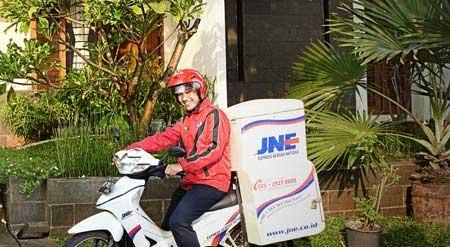 Paket Diantar Langsung ke Rumah Oleh JNE