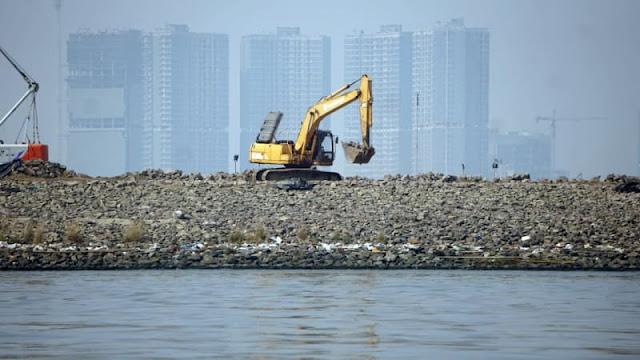 Satpol PP Pastikan Alat Berat di Pulau C Sudah Tak Beroperasi
