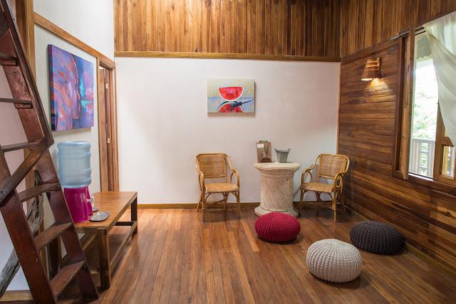 Rincón para relajarse en el hotel Kelly Creek en Cahuita