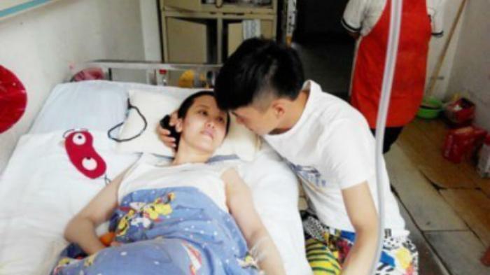 Kisah Kesetian Pria China Kekasihnya Koma 2 Bulan