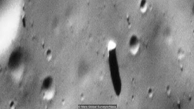 The best looking Alien structure in space is the monolith on Phobos.