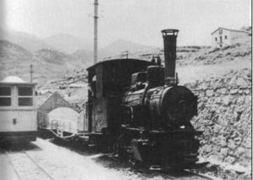 Tren (carrilet) en la estación de La Pobla de Lillet