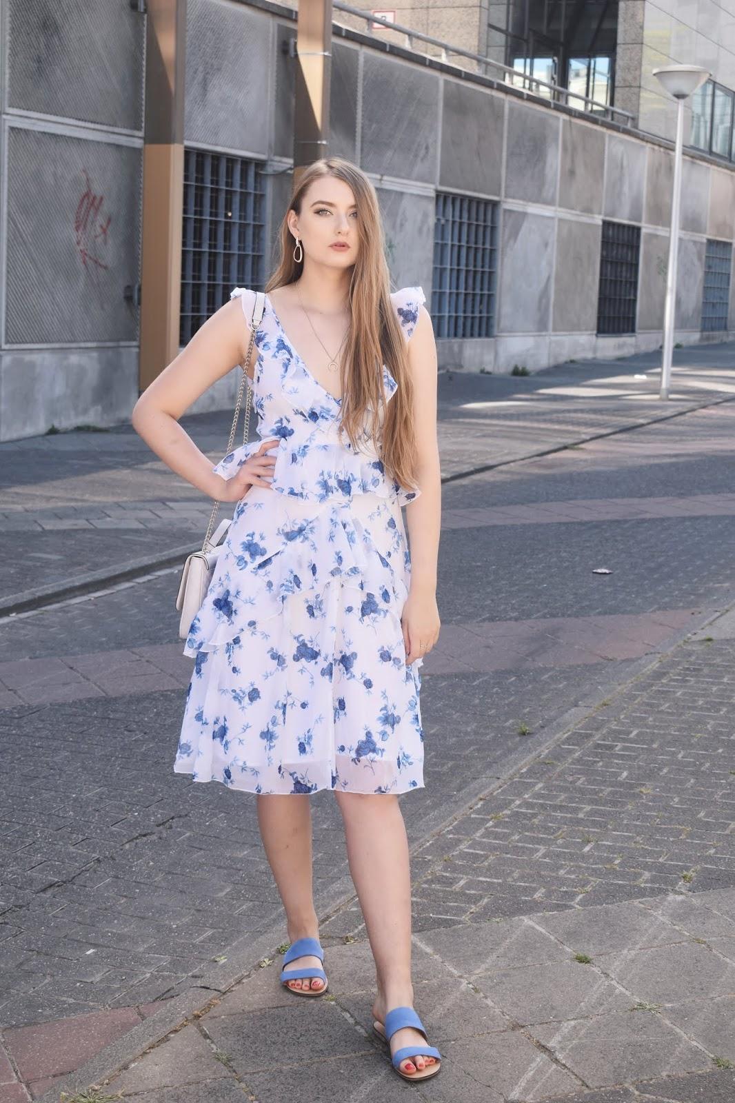 klapki do sukienki