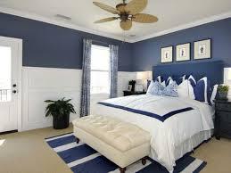 cuarto azul blanco