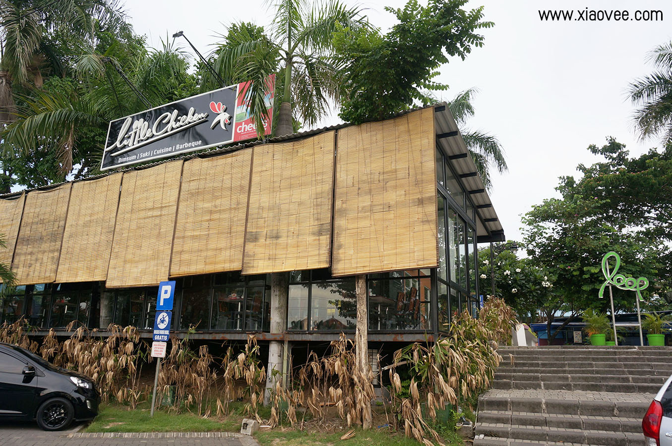 Review of Little Chicken Restaurant at Loop Surabaya. Little Chicken has specializations in Dimsum, Suki, Cuisine and Barbeque as their favorite menu