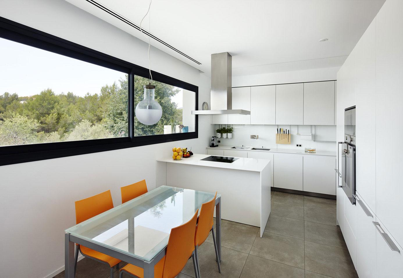 Bright Orange Kitchen Decor