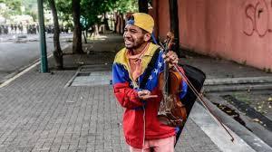 Violinista Wuilly Arteaga protestó frente a la residencia del embajador de Venezuela en Washington