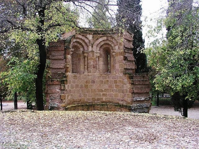 http://3.bp.blogspot.com/-0tm9pbclzo8/UJ0yvFwGwVI/AAAAAAAALBA/7TOfe8VoHd8/s1600/MADRID.EL+RETIRO+iglesiAromanica+de+san+pelyo+y+san+isidoro++s.XII.jpg
