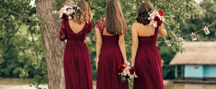 Como escolher o vestido perfeito para festa de casamento na cor vinho