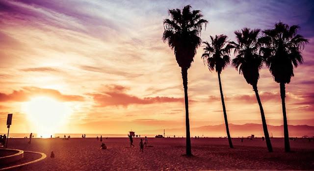 Conhecendo Los Angeles por cima