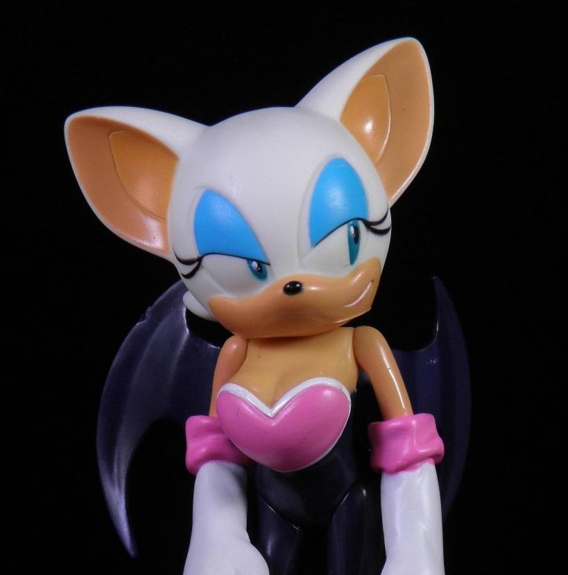 She S Fantastic Sonic The Hedgehog S Rouge The Bat