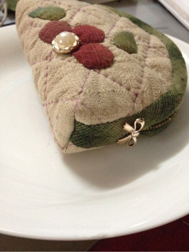 Purse with flowers in a Japanese patchwork. Кошелек - японский печворк