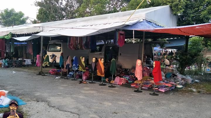 Bawa Pelancong Dari Singapura Shopping di Pasar Kemboja