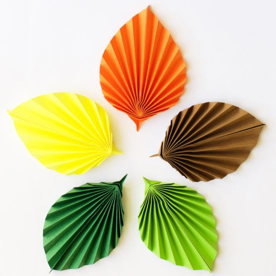 DIY Easy Paper Leaves