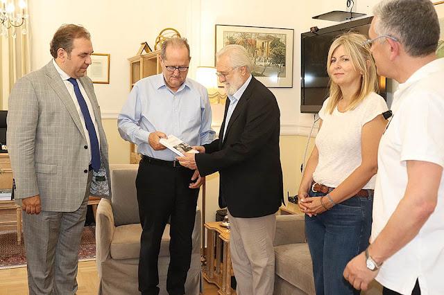 """Για τον """"Καποδίστρια"""" ο Γιάννης Σμαραγδής συναντήθηκε με τον Π. Νίκα"""