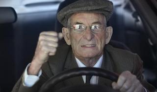 Απαγόρευση οδήγησης στο εξωτερικό για τους 74χρονους – έγγραφα