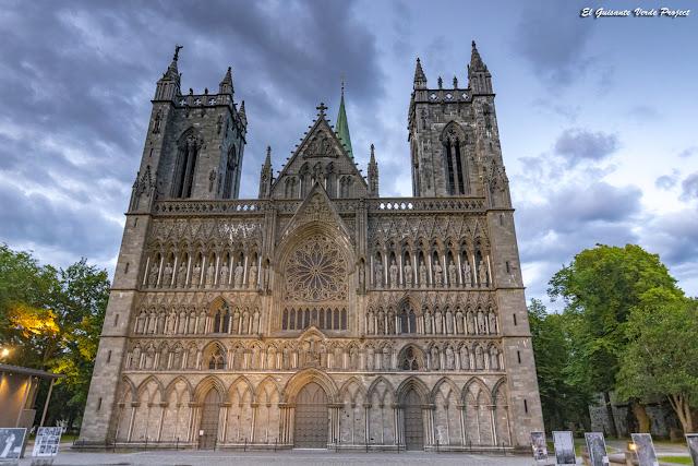 Catedral de Nidaros, Trondheim - Noruega por El Guisante Verde Project