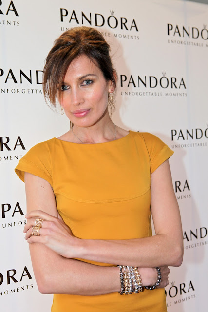 Nieves Álvarez embajadora de la marca de joyería PANDORA en España ha inaugurado la nueva boutique PANDORA en Barcelona