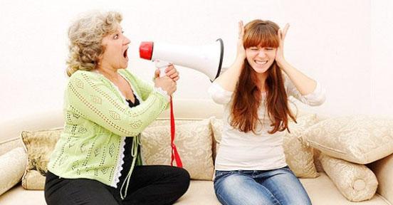 Masih Betah Tinggal Bareng Mertua ! Baca 10 Tips ini Agar Nyaman Tinggal Serumah Dengan Mertua