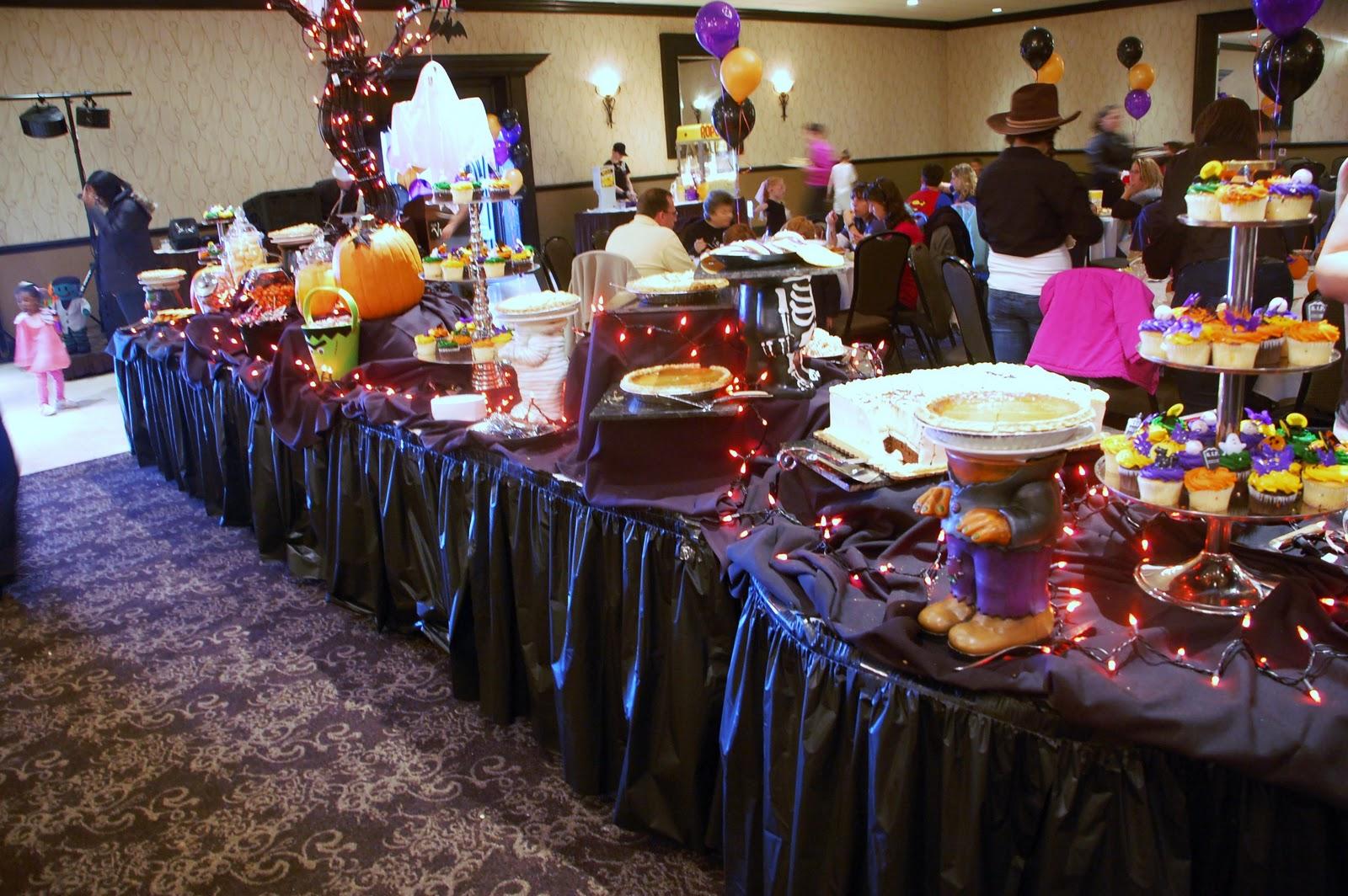 Thar She Sews Matador Costume Hits The Halloween Party