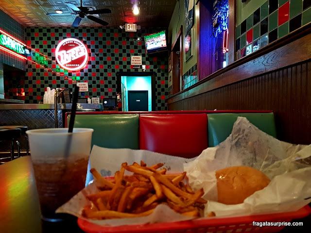 Hamburgueria Dyer's, em Beale Street, Memphis