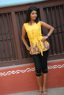 new heroine praksha sri Pictures 014