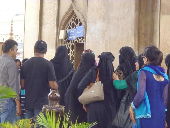 Petisi Muslimah India: Minta Dimudahkan Memasuki Masjid