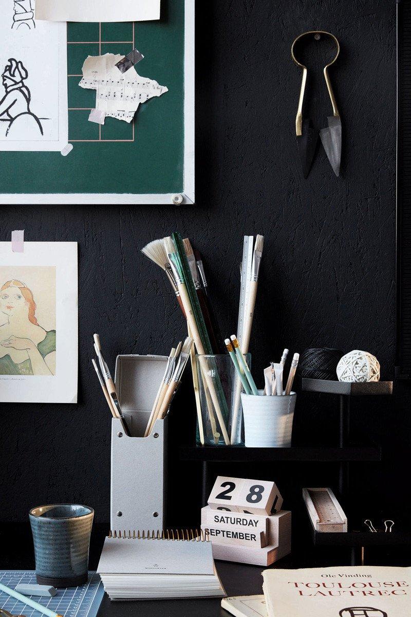 Jak wystylizować biurko w domu?