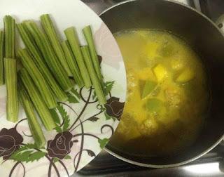 chemmeen pachamanga moringakka curry kerala style prawns curry