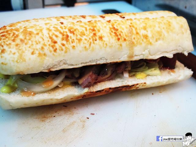 IMG 4903 - 【熱血採訪】NickJu 尼克啾 碳烤法式三明治 位於中國醫附近的尼克啾 NickJu 主打法式三明治,把餐廳所用的食材搬到街頭,讓客人用平價價格吃到高檔美味
